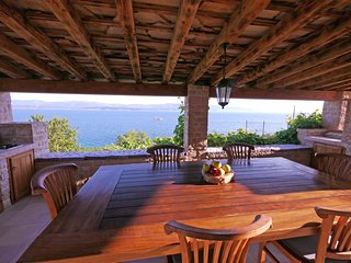 Beachfront, luxury solitary, 2 bedroom 1 bathroom villa with stunning views