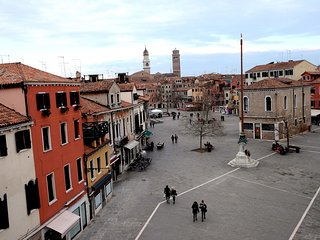 Cà Grifalconi, elegant new apt on the rooftop of Venice.