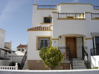 3 Bed Villa in La Marina Urb. Costa Blanca - Shared Pool