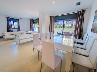 BIG FLOOR 4 ROOMS 10 PAX POOL AACC, Playa d'en Bossa