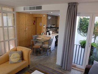 """Uppe"" Villa Apartments Alfama and Castle Hill"