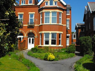 Smart Apartment with Sea View, Lytham St. Anne's