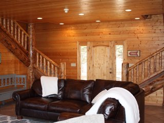 Beautiful Log Home Located on Doorstep of Zion National Park, Mount Carmel