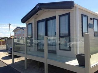 Luxury Static Caravans to Hire on Golden Gate, Towyn, North Wales