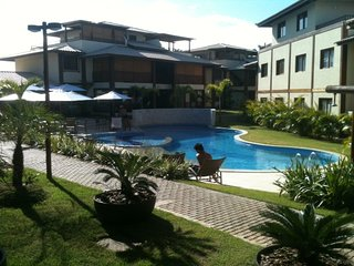 APARTAMENTO CONFORTAVEL NA PRAIA DO FORTE