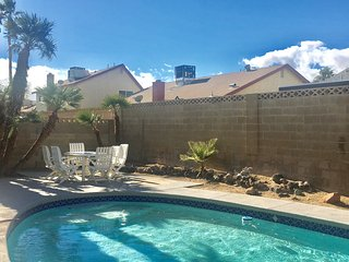 $4000 Fully Furnished Home Close to the strip