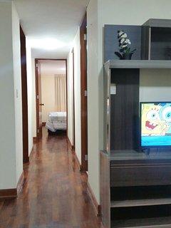 vista de las diferente compartimentos del dpto, como sala, comedor, cocina, lavanderia, habitaciones