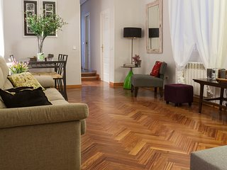 Elegante piso junto al museo del Prado, Reina Sofía, Thyssen, hotel Palace, Ritz
