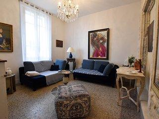 Peyron - Maison typique au fil du Rhône