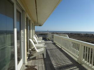 Oceanfront Home. Panoramic Views. See the Sun Rise & Set!!, Bald Head Island