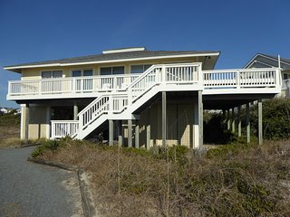 Oceanfront Home. Panoramic Views. See the Sun Rise & Set!!