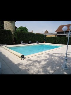 Charming chalet with private swimming pool, Le Bugue