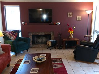 Large Two Bedroom, Fireplace, King Bed, Pool