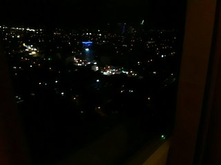 28th floor exclusive highrise condominium, with fast wifi and citylights view