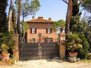 6 bedroom Villa in Castiglione del Lago, Umbria, Italy : ref 5226931
