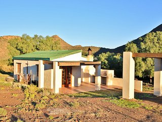 Steenbok Self Catering Accommodation - Private Nature Reserve - Hot Tubs