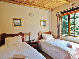 Duiker Self Catering Accommodation - Private Nature Reserve - Hot Tubs