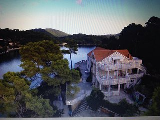 Apartment on Big Lake, in the heart of national park Mljet,