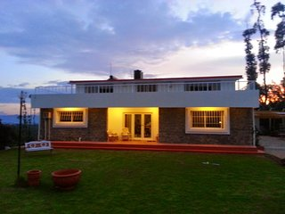 Mountain Top Holiday Cottage, Ooty