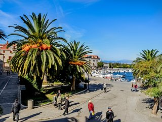 in the heart of fishing village Supetar & a walk from the beach VILLA SAN PIETRO