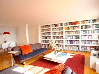 Wasabi Red Apartment, Alfama, Lisbon