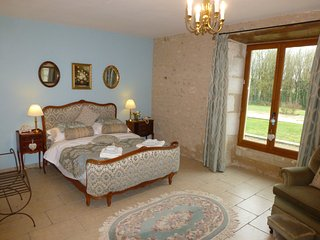 Rimbard Manor B&B - Queen Marie-Antoinette suite