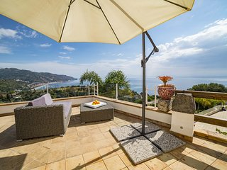 VILLA ZAGARA GARDEN Sea view double room with terrace and pool
