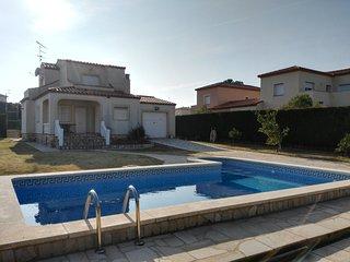Bonita Villa con piscina privada y pista de tenis