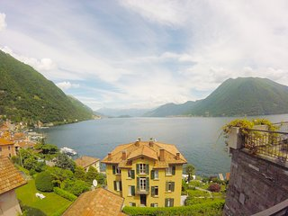 Silver Lake Como front lake Suite - apartment with terrace and private garage, Argegno
