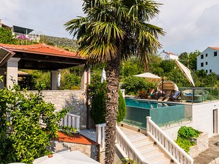 Villa La Vagabonda 2-bedroom apartment with pool