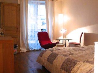 Grande Chambre aux Abbesses à Montmartre