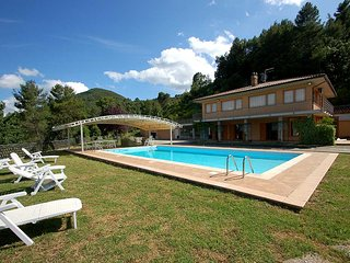 Villa with private pool and panoramic views at 6 km from town. 80km north Rome, Narni