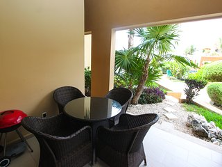 EL FARO S103 - Beachfront Condo in Heart of Town, Playa del Carmen