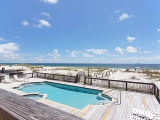 Updated 6 bedroom Gulf duplex with a semi private pool!, Fort Morgan