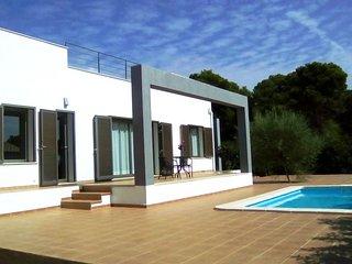 Nueva villa con piscina, mar, wifi, bbq, playa a 3min