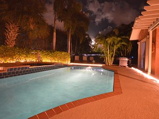 Luxury Tropical Paradise - Heated Salt Water Pool