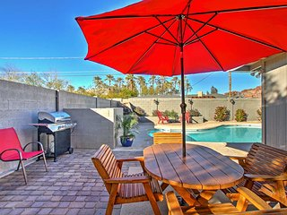 4BR Phoenix House w/Pool - 8 Miles to Downtown!