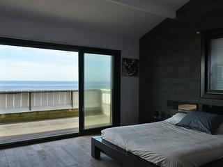 Villa Marinella vue exceptionnelle sur l'océan accès direct à la plage.