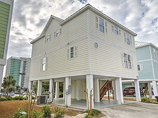 Myrtle Beach House w/Balconies - 1 Block to Beach!