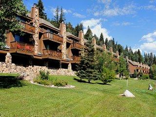 Durango Mountain Resort Townhouse, Cascade Village