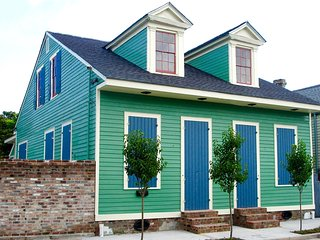 Amazing 1838 Creole Cottage, 2BR/2BA, New Orleans