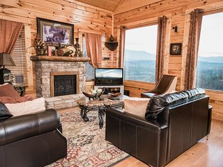 Available! Great Views, Clean! 2 bd/2 bath Sleeps 9 Resort Cabin