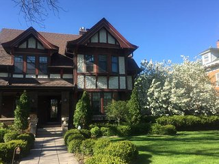 Beautiful mansion on historic Summit Avenue, Saint Paul