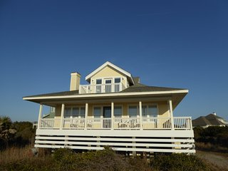 Wonderful Ocean Views! Great House! Pet Friendly, Bald Head Island