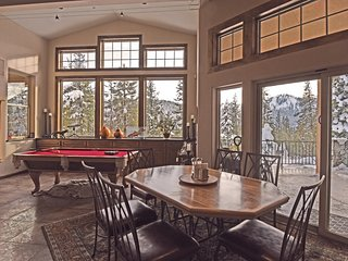 Olympic Valley Resort Home with Gym and Hot Tub