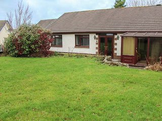 5 GERDDI MAIR, spacious bungalow, four bedrooms, parking, lawned garden, in St Clears, Ref 949276