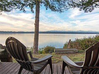 Secret Island Beachfront Escape, Herron Island
