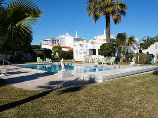UNIQUE VILLA SLEEPS 6 WITH SWIMING POOL, QUARTEIRA