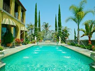 The Villa Sophia - Romantic Honeymoon Spa Retreat on Central Los Angeles Hilltop