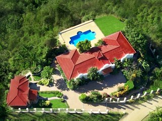 6-Bedroom Casa Lumenez Luxury Spacious Eco Property
